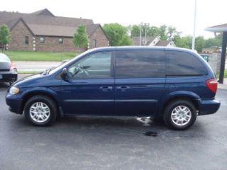 Used 2002 Dodge Caravan Sport in Girard, Kansas