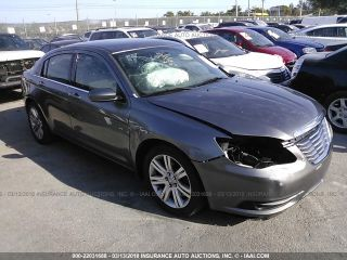 Chrysler 200 Touring 2013