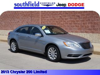 Used 2013 Chrysler 200 Limited in Southfield, Michigan