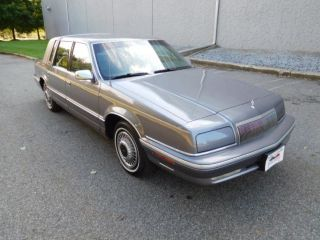 1992 Chrysler New Yorker Fifth Avenue