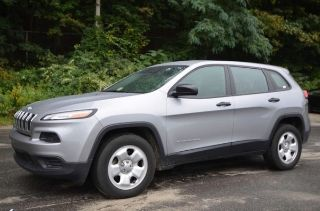 Used 2014 Jeep Cherokee Sport in Naugatuck, Connecticut