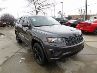 Used 2015 Jeep Grand Cherokee Laredo in Grand Blanc, Michigan