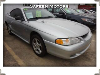 Ford Mustang Base 1998