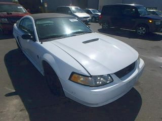 Ford Mustang 2000