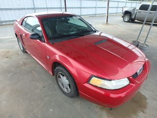 Ford Mustang Base 1999