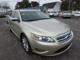 Ford Taurus Limited Edition 2011