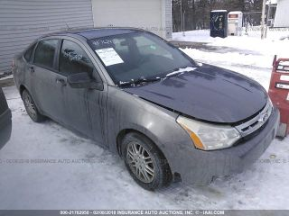 Ford Focus SE 2011