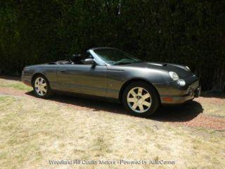 Ford Thunderbird 2003