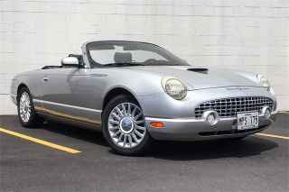 Ford Thunderbird Deluxe 2005