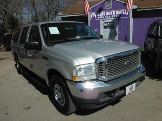 Ford Excursion XLT 2004