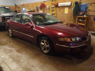 Pontiac Bonneville SE 2000