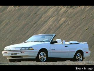 1992 Pontiac Sunbird SE
