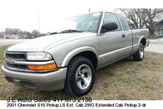 Used 2001 Chevrolet S-10 in Joplin, Missouri