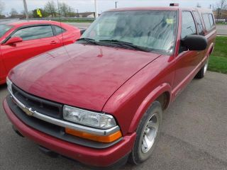 Used 2002 Chevrolet S-10 in Charlotte, Michigan