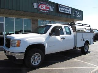 GMC Sierra 3500HD Work Truck 2011