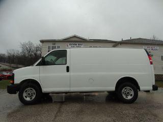 GMC Savana 2500 2011