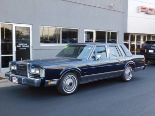 Used 1988 Lincoln Town Car Signature In Rockford Illinois