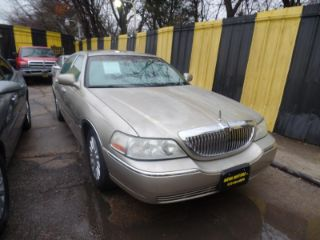 Lincoln Town Car Executive 2004
