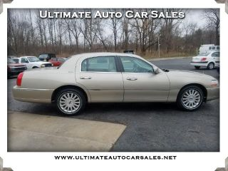 Used 2004 Lincoln Town Car Signature in Spencerport, New York