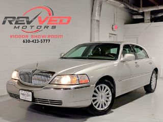 Used 2003 Lincoln Town Car Signature In Addison Illinois