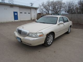 Used 2003 Lincoln Town Car Cartier In Duluth Minnesota