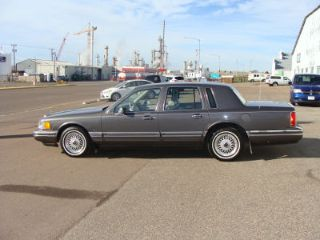 Used 1992 Lincoln Town Car Executive In Black Eagle Montana