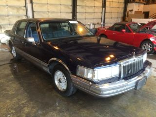 Used 1990 Lincoln Town Car Signature In Graham Washington