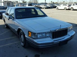 Used 1990 Lincoln Town Car Signature In Los Angeles California