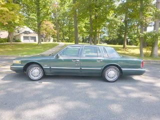 Used 1996 Lincoln Town Car Signature In Towson Maryland