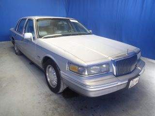 Lincoln Town Car Signature 1997