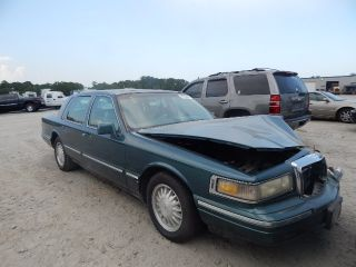 Used 1996 Lincoln Town Car Signature In Savannah Georgia