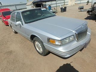 Used 1996 Lincoln Town Car Cartier In Bakersfield California