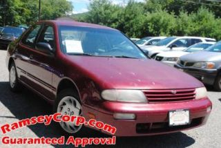 Nissan Altima GXE 1995