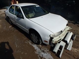 Nissan Altima XE 1995