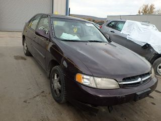 Nissan Altima XE 1998