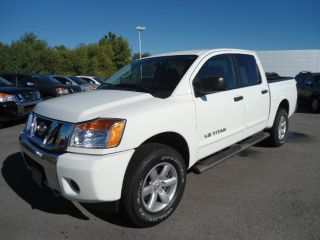Used 2013 Nissan Titan in Dexter, Missouri