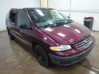 Plymouth Grand Voyager 1998