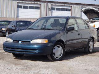 Chevrolet Prizm Base 1999