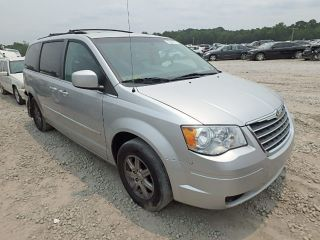 Used 2010 Chrysler Town & Country Touring in Ellenwood, Georgia