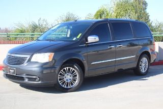 Chrysler Town & Country Limited Edition 2011
