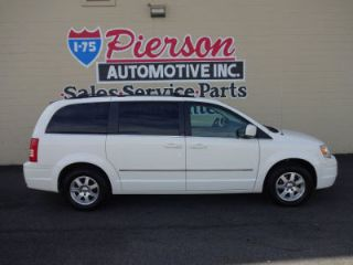 Used 2009 Chrysler Town & Country Touring in Middletown, Ohio