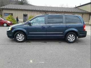 Used 2009 Chrysler Town & Country Touring in Bloomsburg, Pennsylvania
