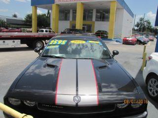 Dodge Challenger SE 2010