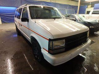 Dodge Caravan LE 1990