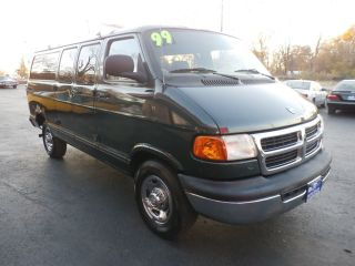Dodge Ram Wagon 2500 1999