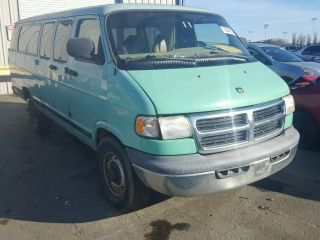 2000 Dodge Ram Wagon 3500