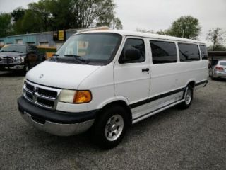 Dodge Ram Wagon 3500 1999