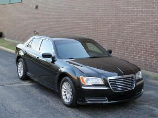 Chrysler 300 Base 2013
