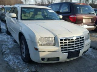 Chrysler 300 Touring 2005