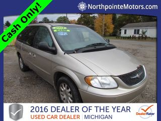 Chrysler Town & Country LX 2003